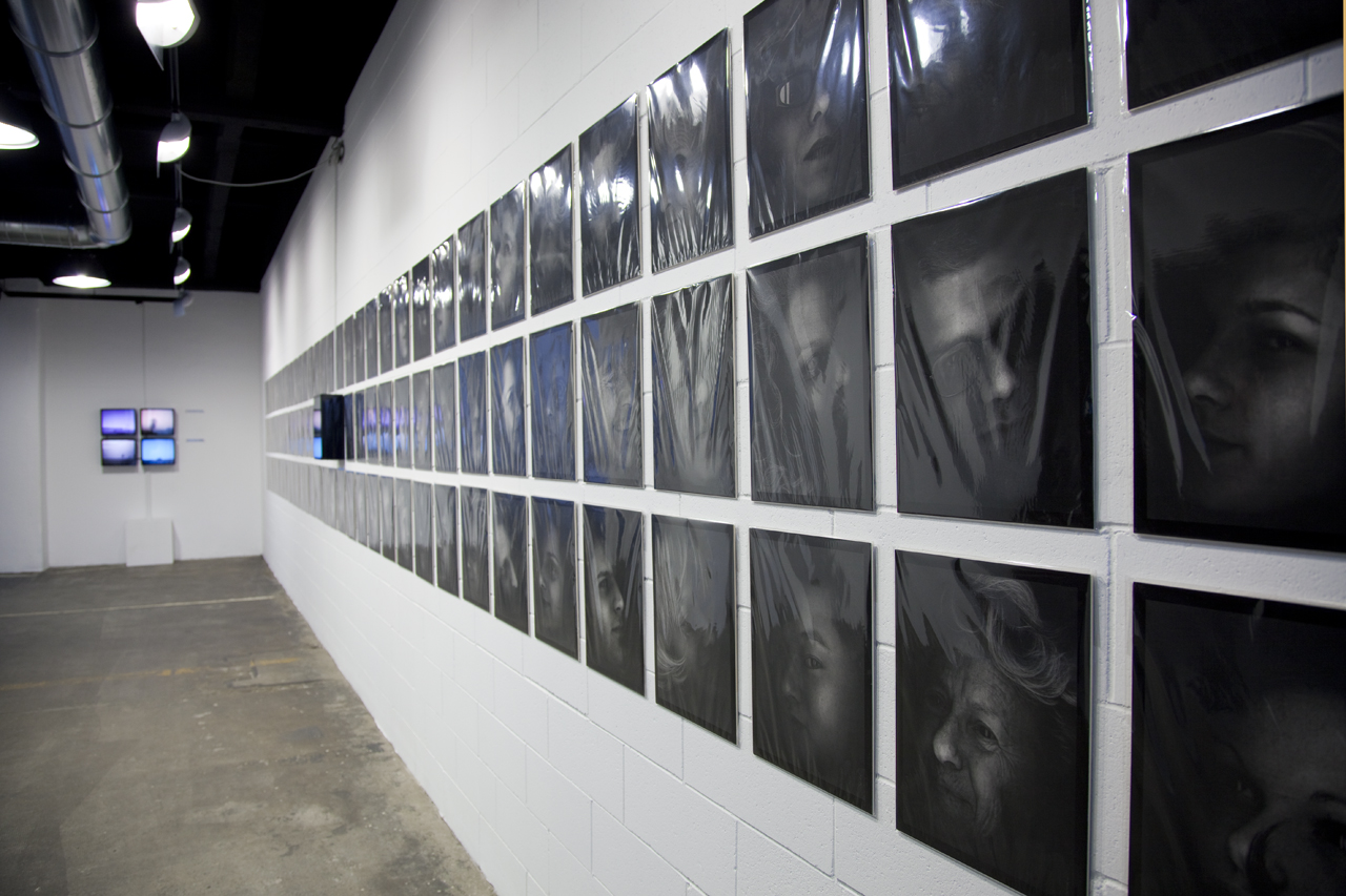 Davide Coltro, Living Shrouds (2010), MD-System 19 - 95 prints, cm 30 x 40 each (Courtesy Gagliardi & Domke Gallery, foto archivio dell'artista)