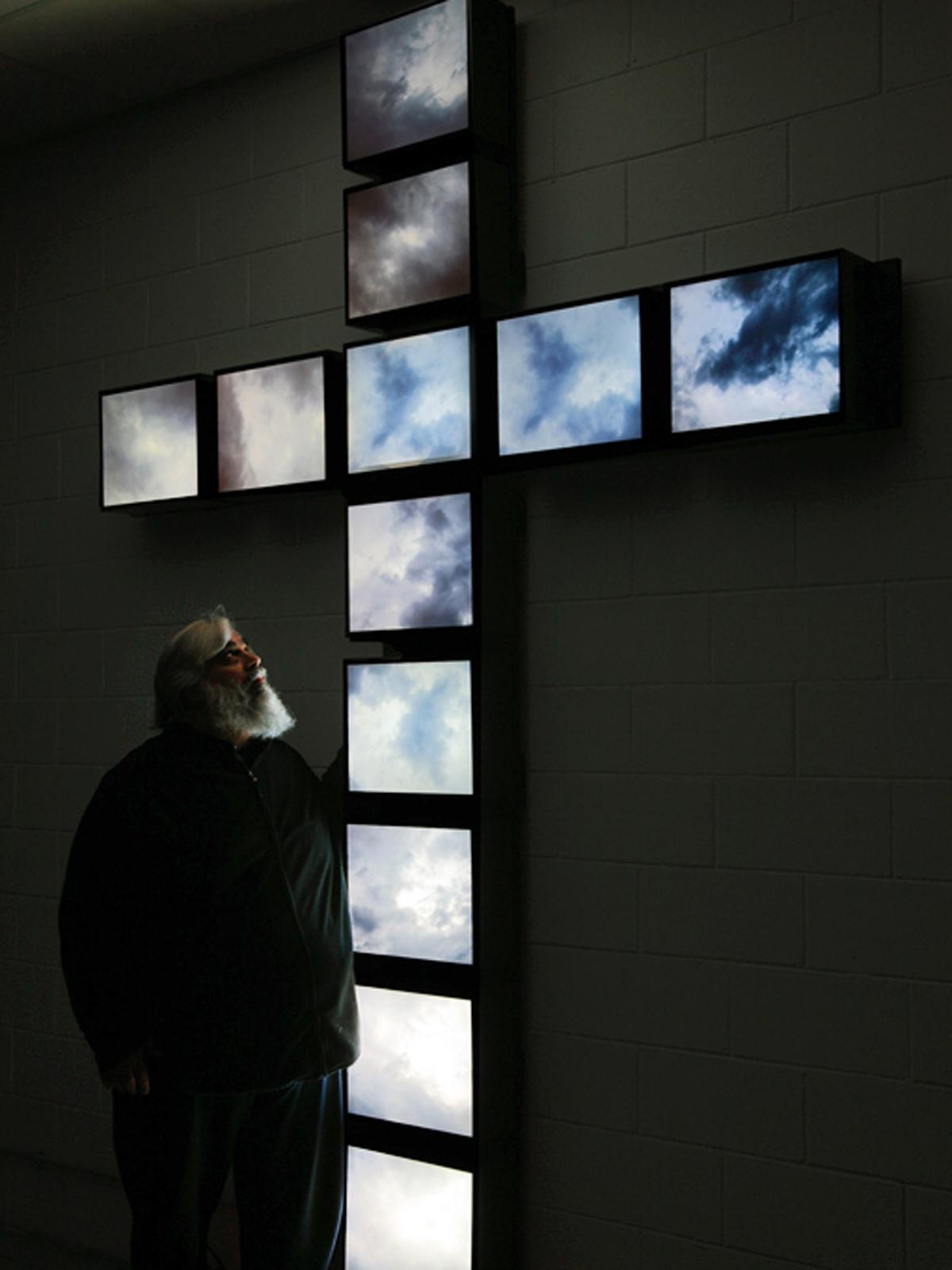 Davide Coltro, Crux (2013), MD-System 19, pittura elettronica, polittico cm 300 x 240 (Courtesy Gagliardi & Domke Gallery - Turin, foto Luca Nicolini)